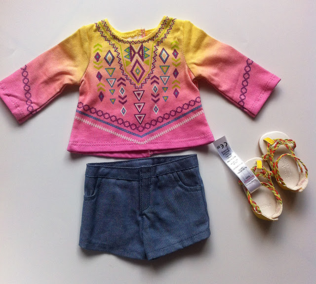 American Girl Girl of the Year 2016 Lea Clark Shorts, Top, and Sandals Outfit